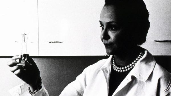 Jane Wright 1919 2013: oncologista que foi essencial no desenvolvimento de tratamentos contra o câncer.