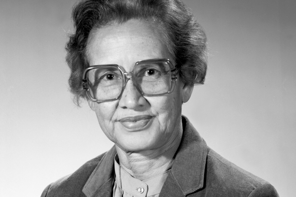 Katherine Johnson 1918 física e matemática que calculou as trajetórias de várias missões da Nasa e foi essencial para o lançamento do primeiro americano ao Espaço.