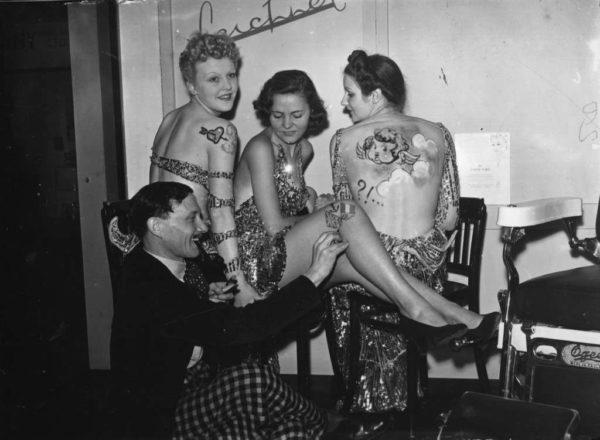MODELOS NA FEIRA DO CABELO E DA BELEZA OLYMPIA LONDRES 20 DE SETEMBRO DE 1938
