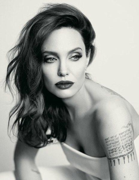 Curiosidades sobre Angelina Jolie tattoos