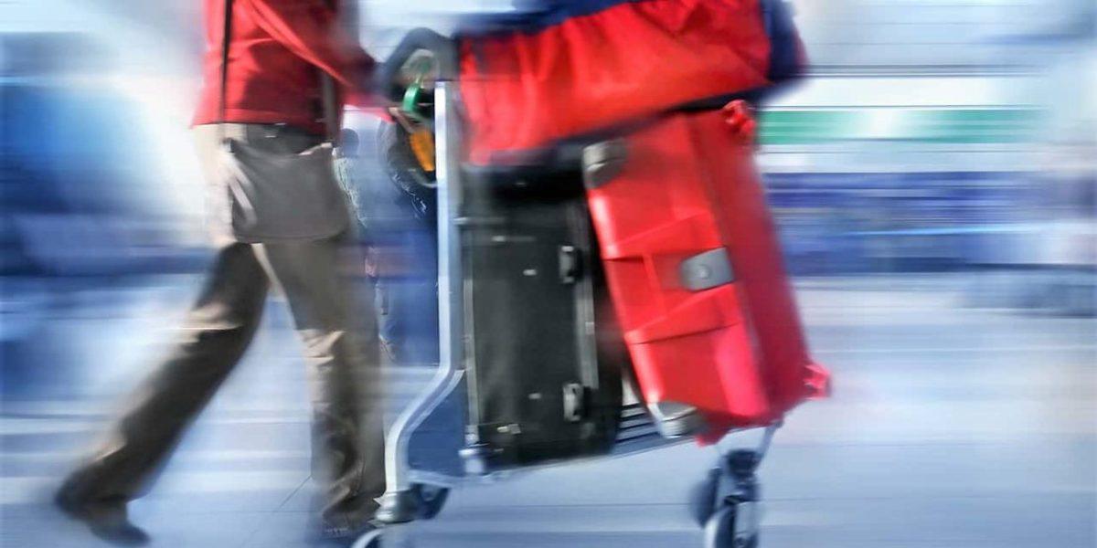 correndo com a mala