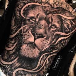 Tatuagem nas costas: veja imagens que podem te inspirar