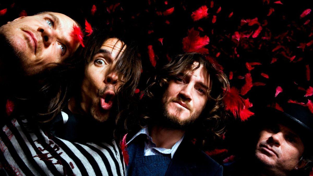 Novo álbum e volta de Brian Johnson ao ACDC; Frusciante retorna ao RHCP