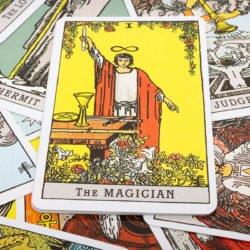 O Senhor dos Anéis em forma de Tarot? Saga é representada através da arte