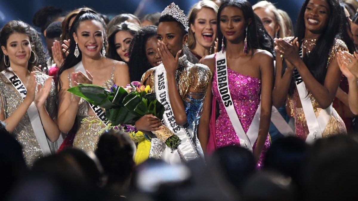 Zozibini Tunzi concorrente sul africana eleita a Miss Universo 2019 3