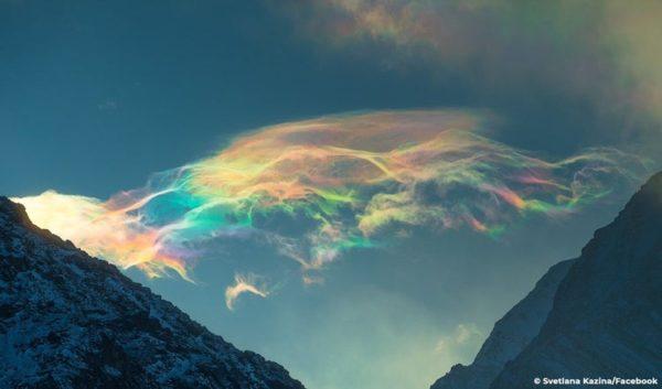 Svetlana Kazina: fotógrafa russa registra o fenômeno da iridescência no céu
