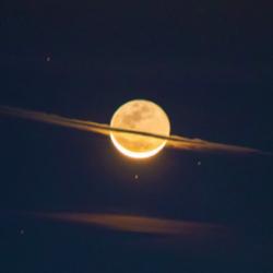 A noite em que a lua se vestiu de Saturno