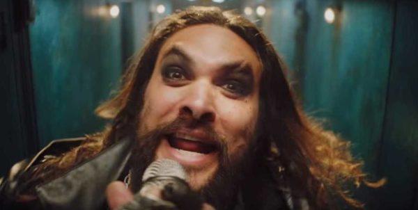 Jason Momoa surge como Ozzy Osbourne e faz bela homenagem ao cantor britânico de rock