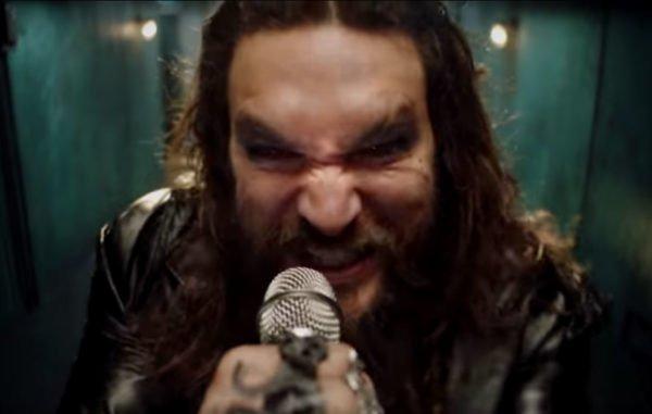 Jason Momoa surge como Ozzy Osbourne e faz bela homenagem ao cantor britânico de rock 4
