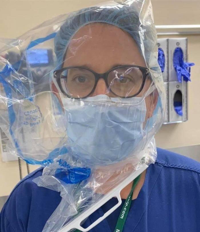 Medicos trabalhando contra o coronavirus 20