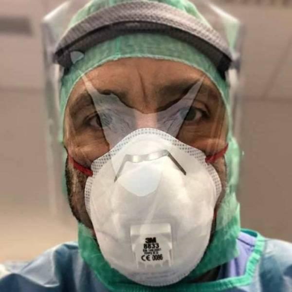 Medicos trabalhando contra o coronavirus 24