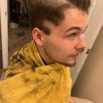 Essas pessoas resolveram cortar o próprio cabelo na quarentena e muito provavelmente se arrependeram logo depois 9