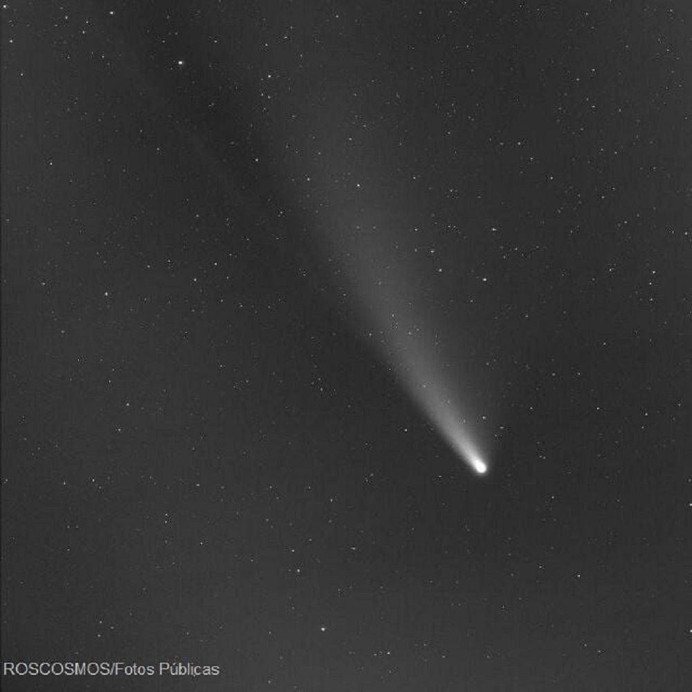 Cometa Neowise casal fica noivo durante passagem de cometa visivel no hemisferio norte a cada 6800 anos 2