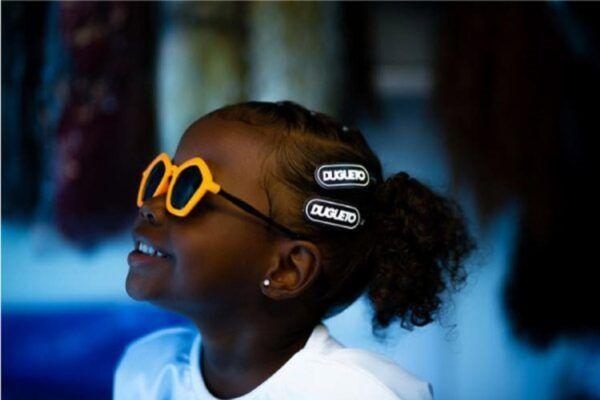 Dugueto marca de roupa baiana faz ensaio com criancas pretas da periferia de Salvador