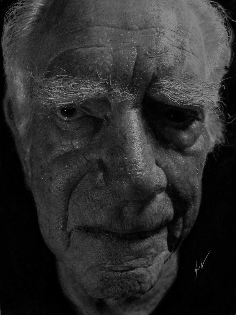Dylan Eakin autodescrito fotorrealista produz retratos de carvao hiperrealistas 11
