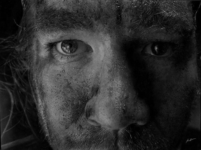 Dylan Eakin autodescrito fotorrealista produz retratos de carvao hiperrealistas 2