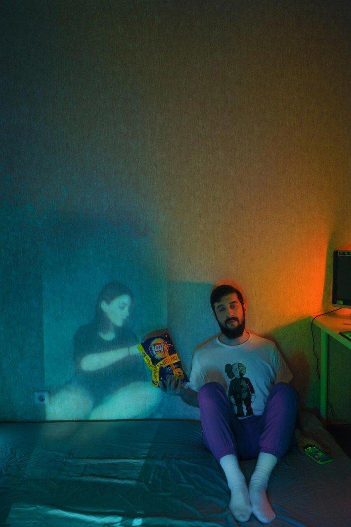 Fotografo registra fantasmas no apartamento Karman Verdi realiza uma sessao de fotos incomum na quarentena 2