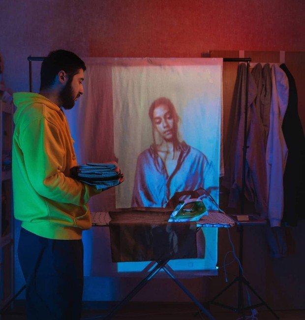 Fotografo registra fantasmas no apartamento Karman Verdi realiza uma sessao de fotos incomum na quarentena 4