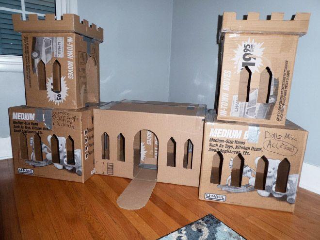 Donos de gatos estao criando fortes de papelao para seus animais 16