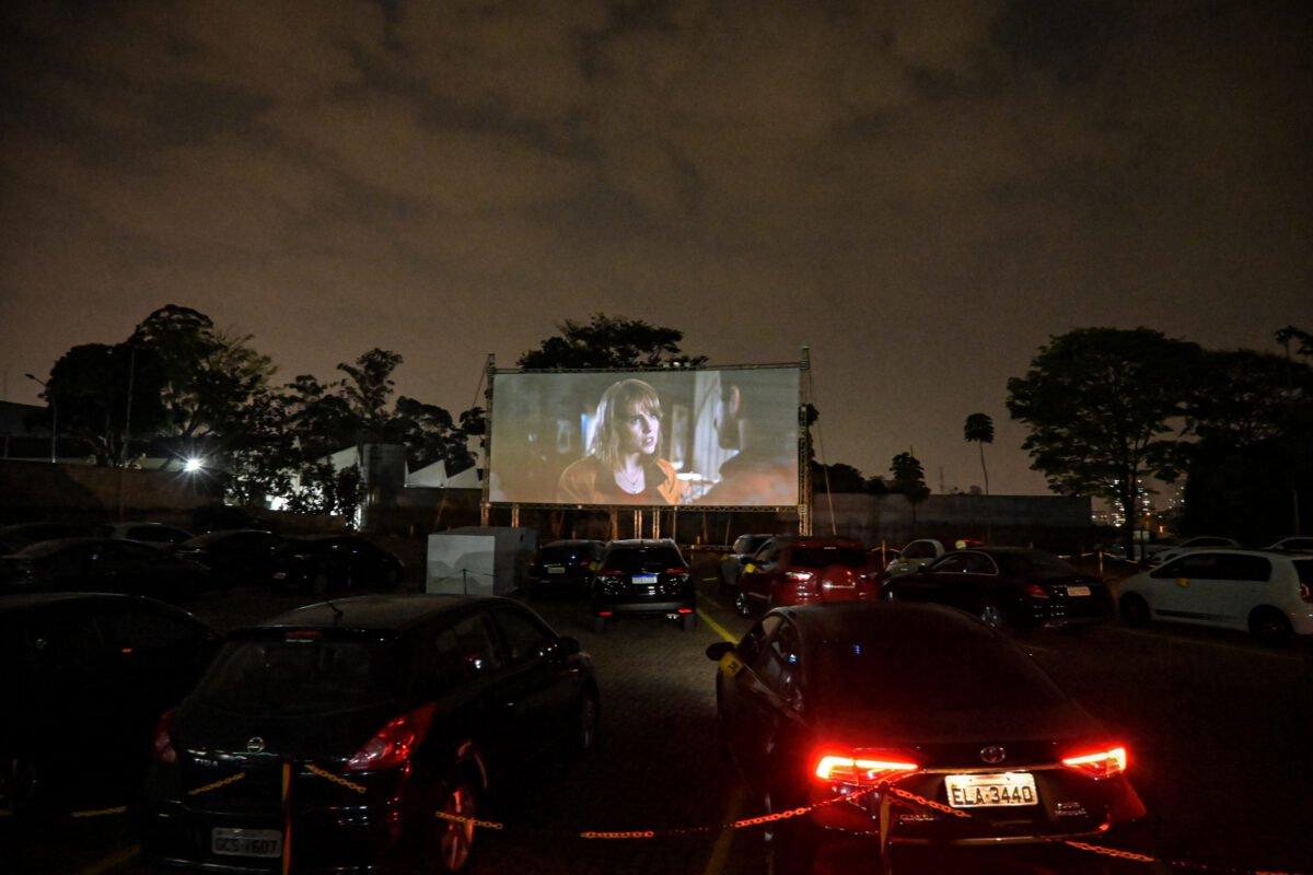 Cinema libera entrada de animais de estimacao em sessao Drive In 2
