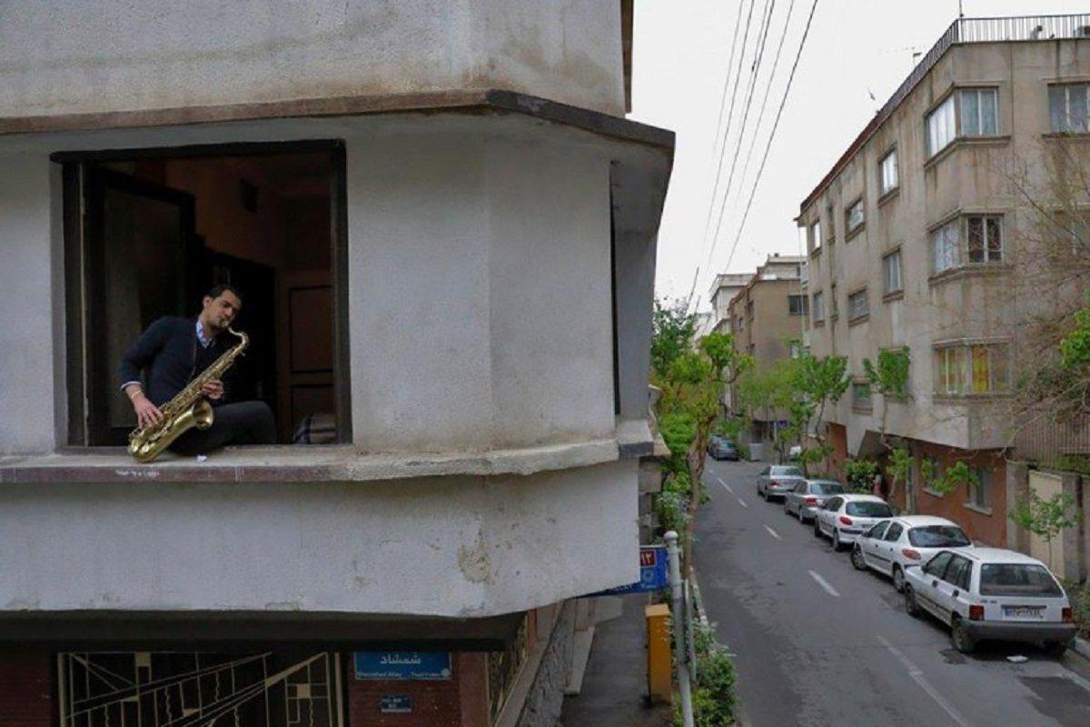 Essas fotografias de musicos nos terracos falam bastante sobre a solidao da pandemia no Oriente Medio 10