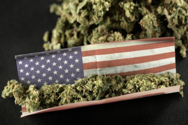 Cinco estados dos EUA liberam o uso da maconha Oregon vai alem e descriminaliza a heroina e a cocaina