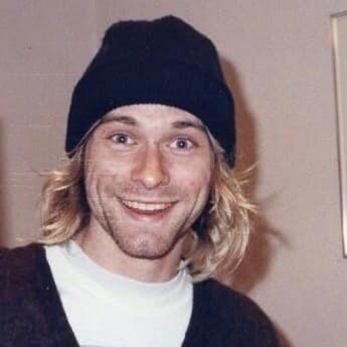 Essas fotos bastante raras mostram Kurt Cobain sorrindo 2