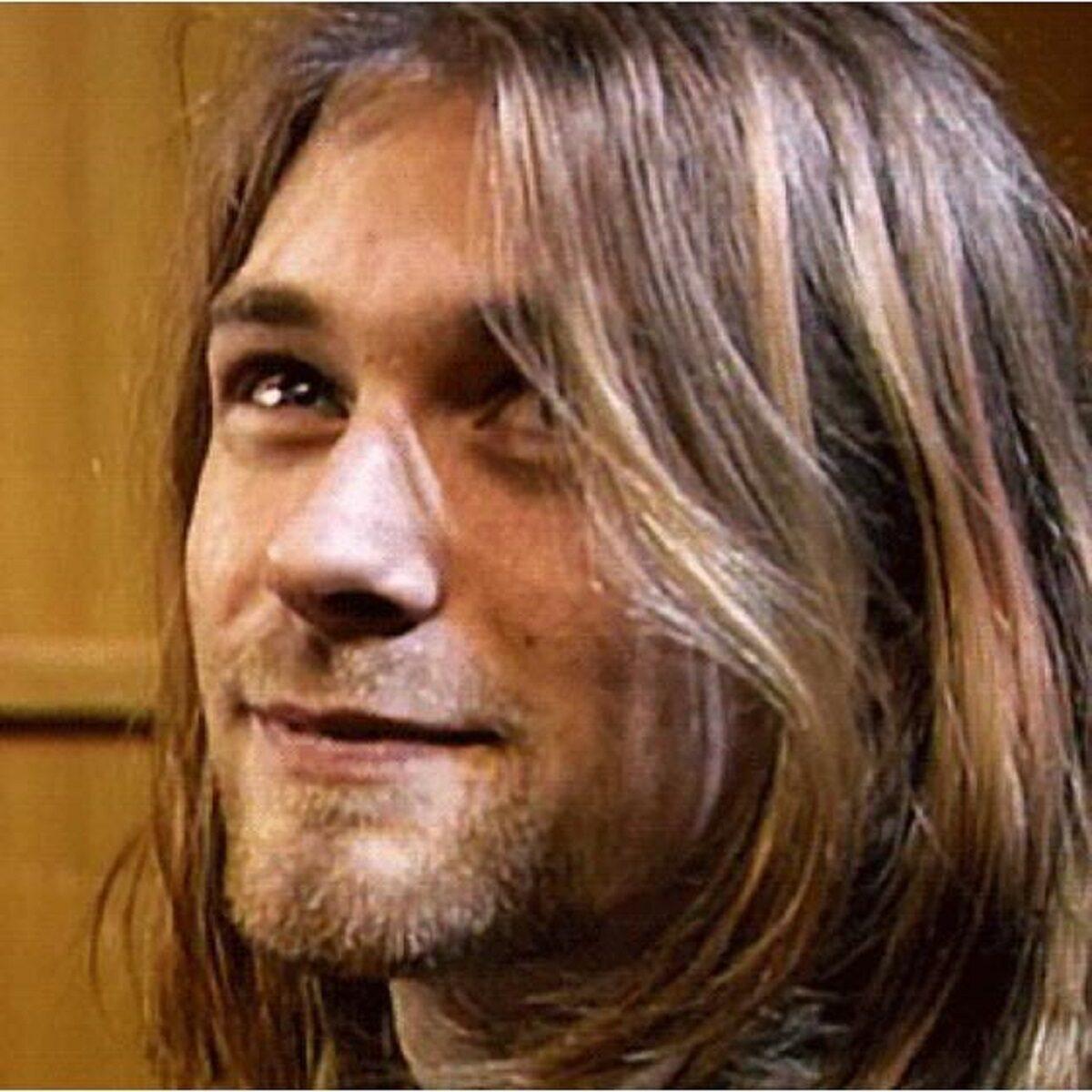 Essas fotos bastante raras mostram Kurt Cobain sorrindo 4
