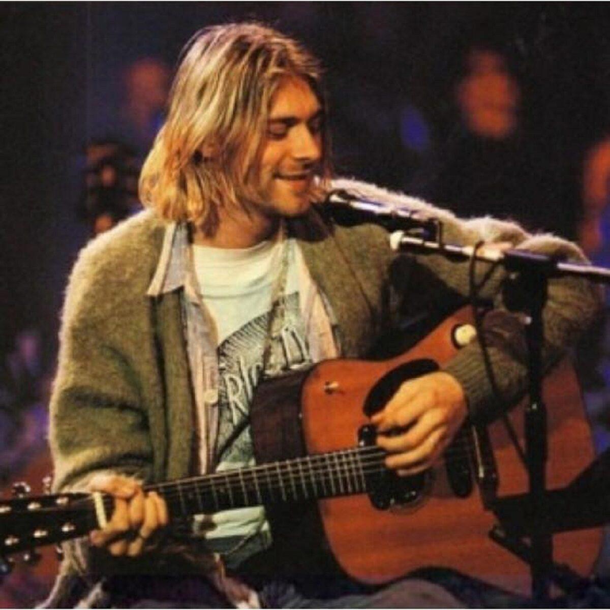 Essas fotos bastante raras mostram Kurt Cobain sorrindo 5