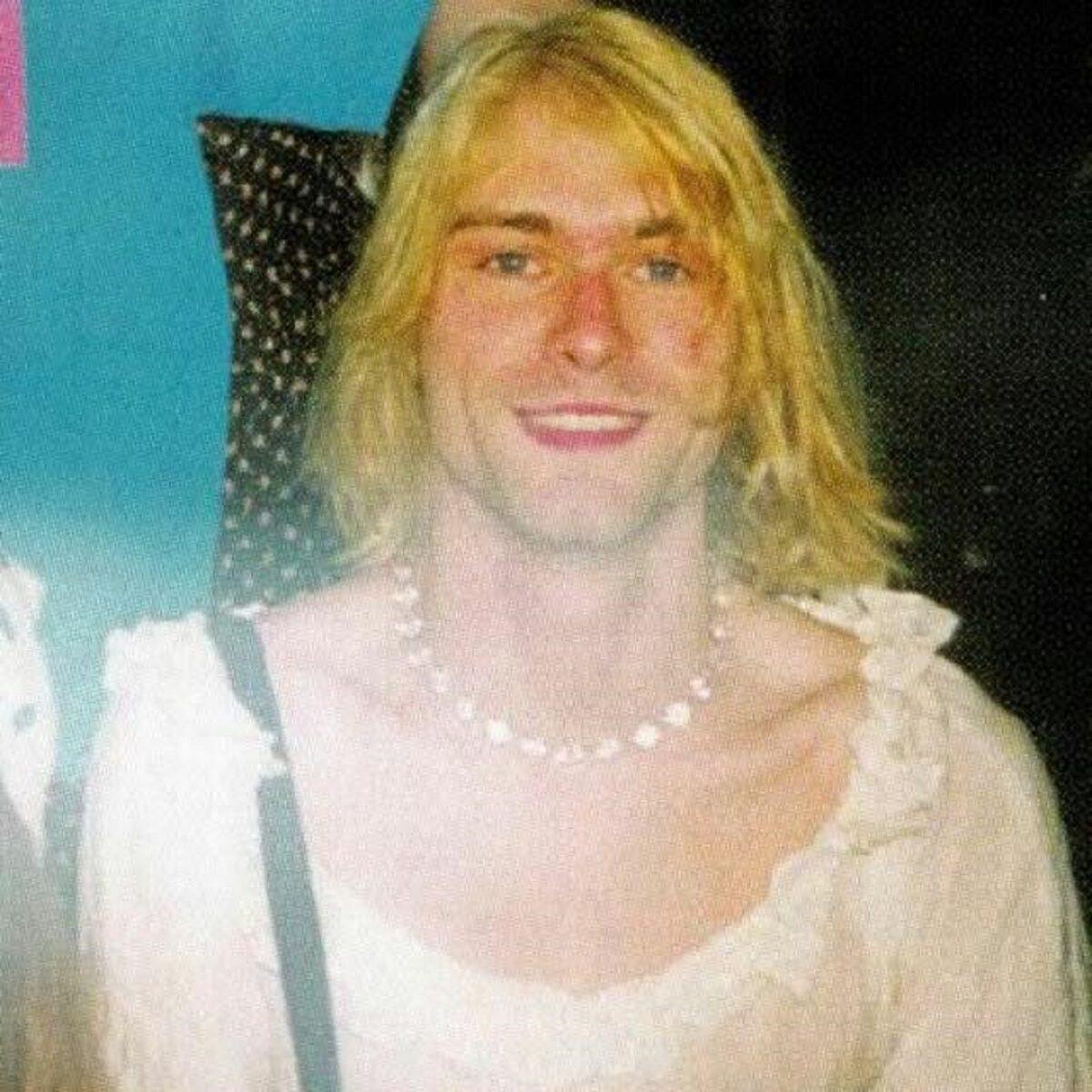 Essas fotos bastante raras mostram Kurt Cobain sorrindo 7