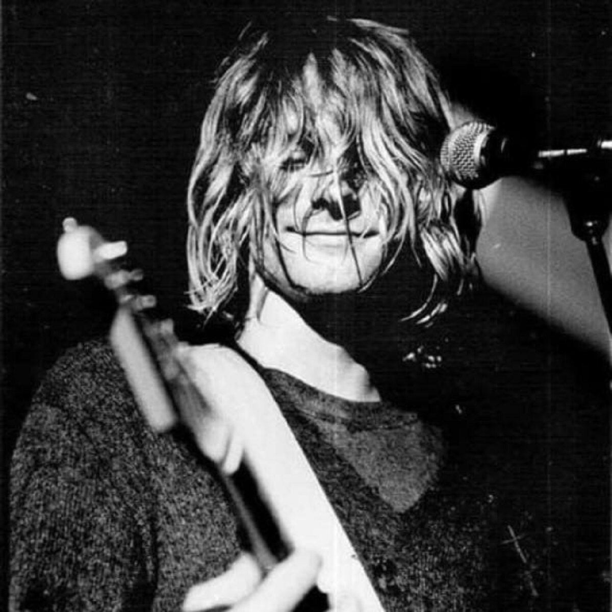 Essas fotos bastante raras mostram Kurt Cobain sorrindo 8