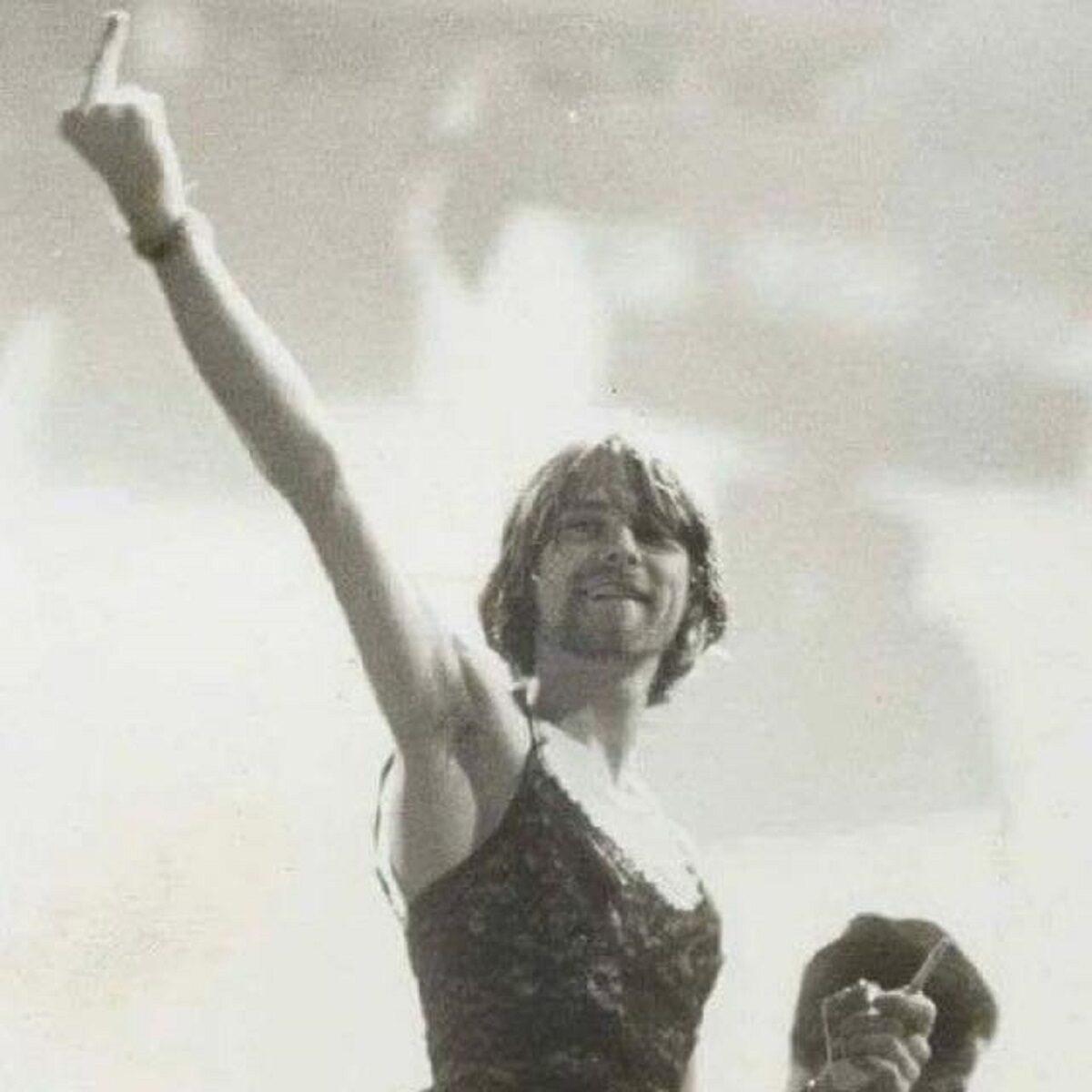Essas fotos bastante raras mostram Kurt Cobain sorrindo 9