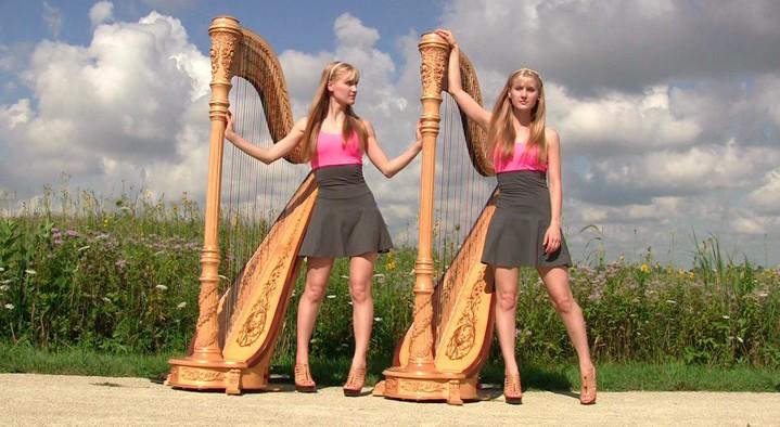 Harp Twins as irmas gemeas e suas versoes de classicos do rock na harpa PARTE II 8
