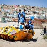 Neda Taiyebi artista transforma tanques de guerra abandonados em obras de arte 10