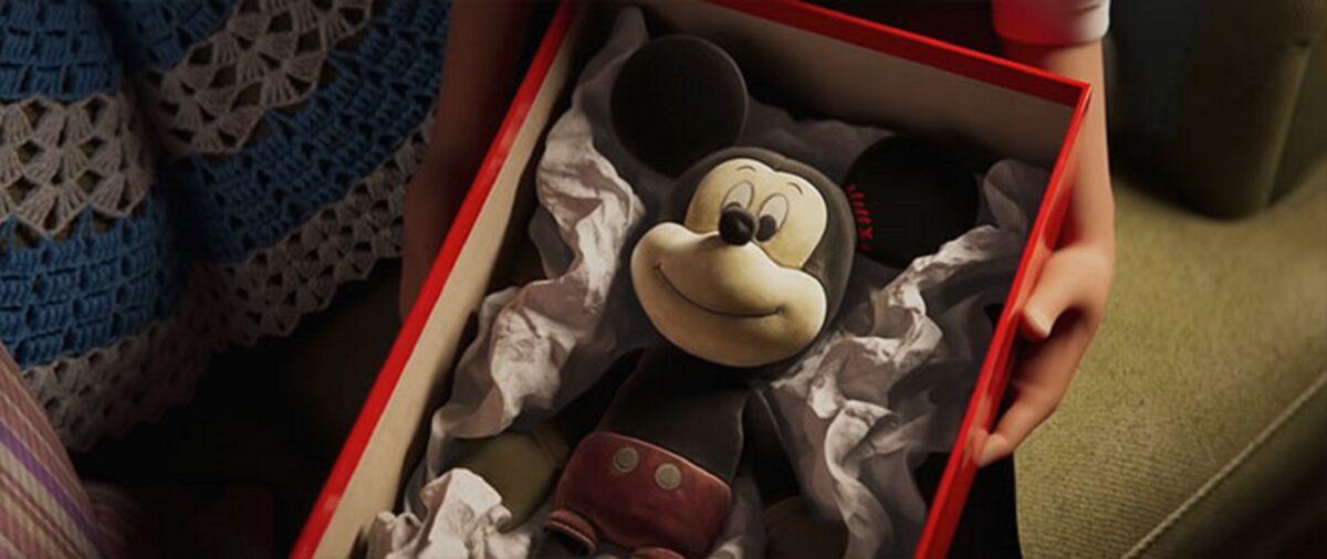 Anuncio de Natal da Disney mostra vinculo entre avo e neta 15