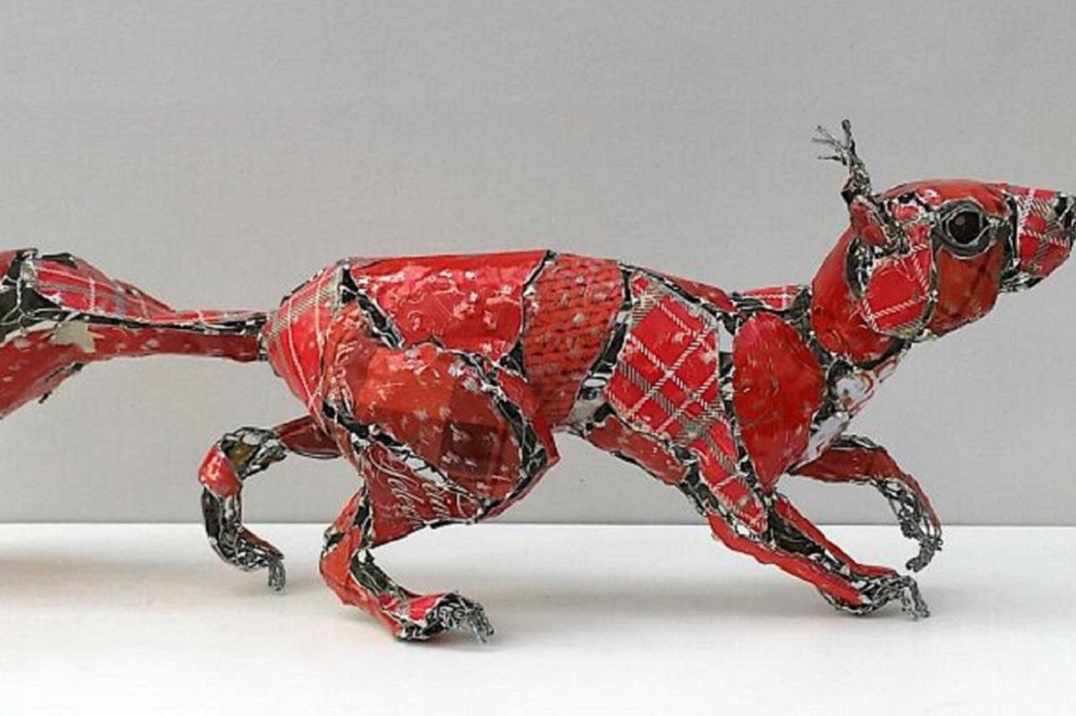 Barbara Franc: artista reutiliza materiais e constrói esculturas realistas de animais