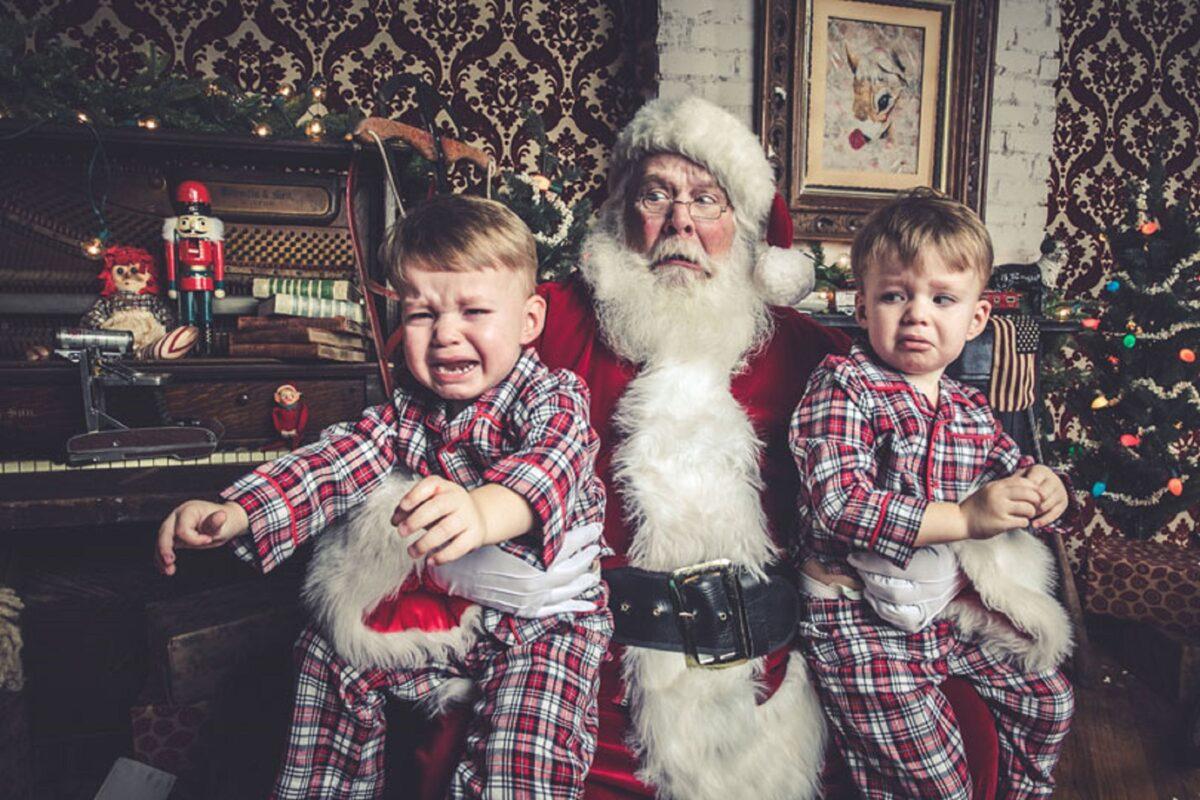 Jeff Roffman fotografo registra serie hilaria de criancas chorando por causa do Papai Noel 3
