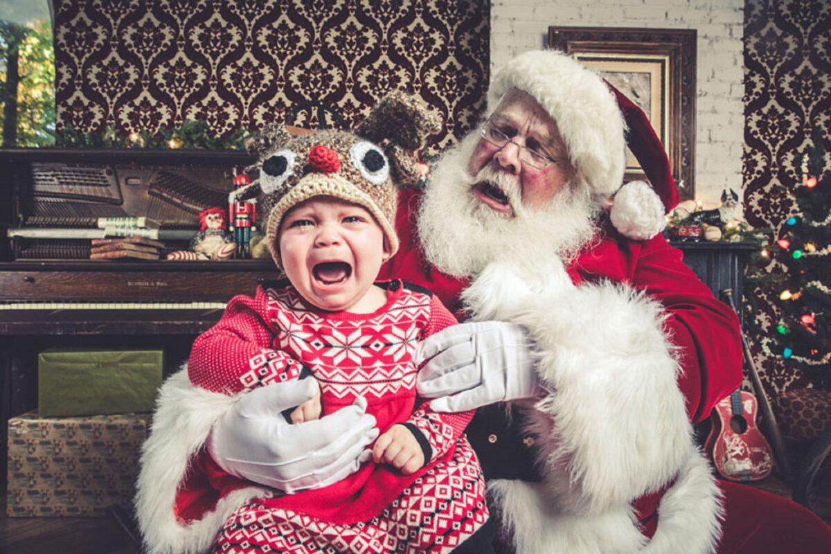 Jeff Roffman fotografo registra serie hilaria de criancas chorando por causa do Papai Noel 6