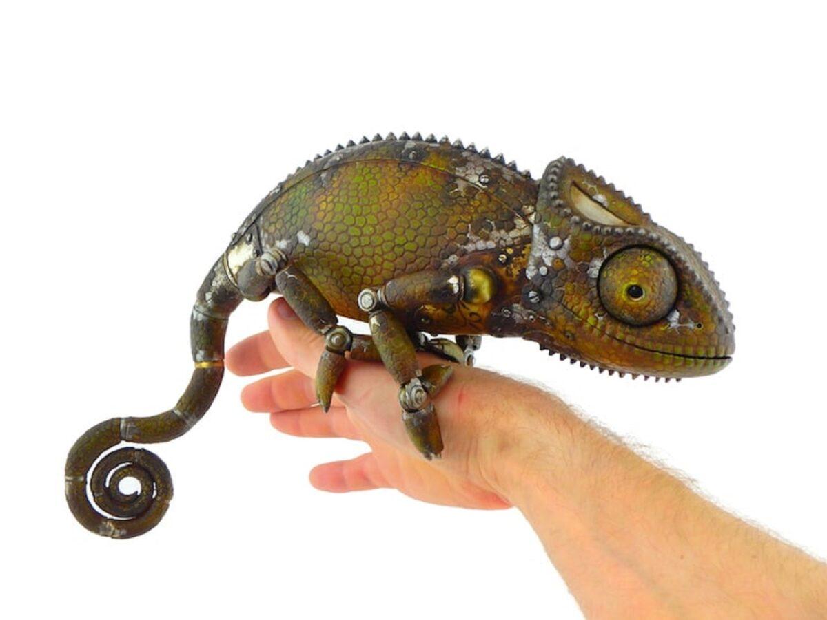 Artista cria esculturas de animais com pecas mecanicas descartadas em estilo Steampunk 4