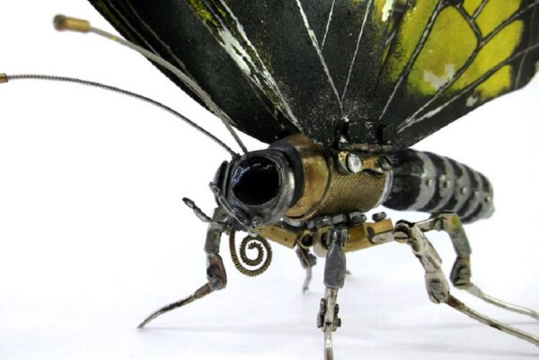 Artista cria esculturas de animais com pecas mecanicas descartadas em estilo Steampunk 50