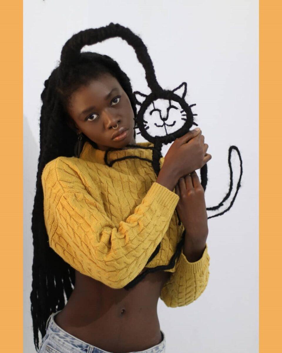 Laetitia Ky artista cria esculturas com o proprio cabelo e exalta beleza crespa 1