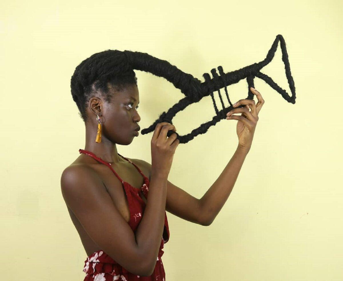 Laetitia Ky artista cria esculturas com o proprio cabelo e exalta beleza crespa 6