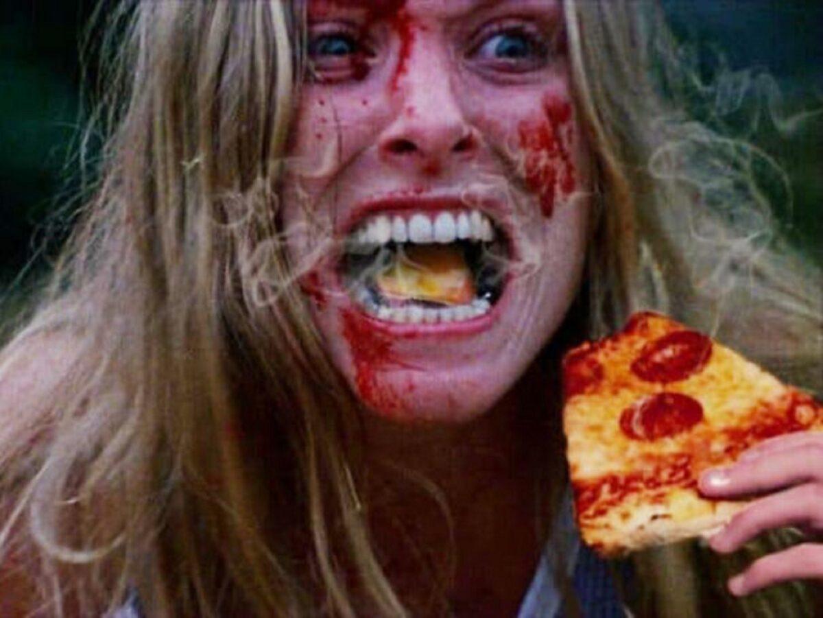 Pizzas adicionadas em filmes de terror atraves do Photoshop 3