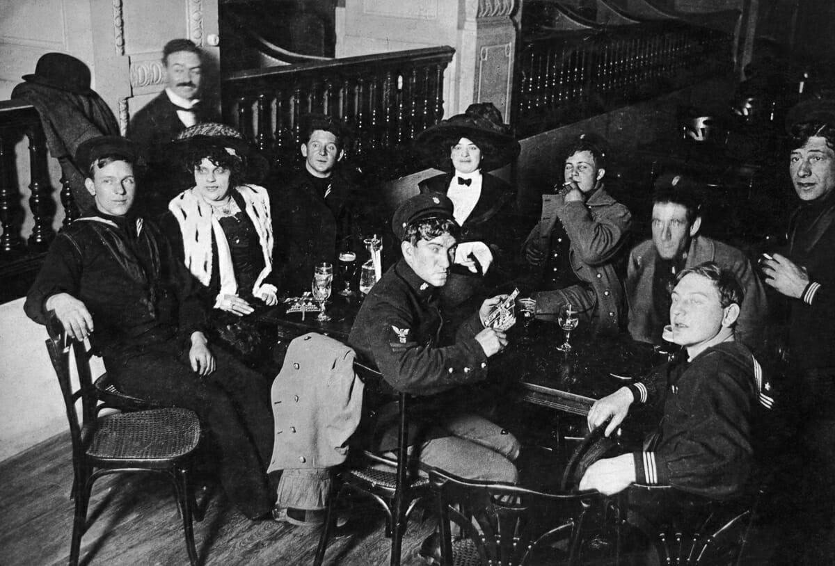 Fotografias raras do cabare Moulin Rouge 6