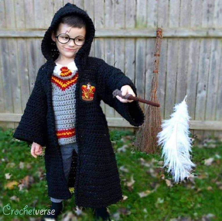 Halloween fantasias de croche que Stephanie Pokorny criou para seus filhos 6