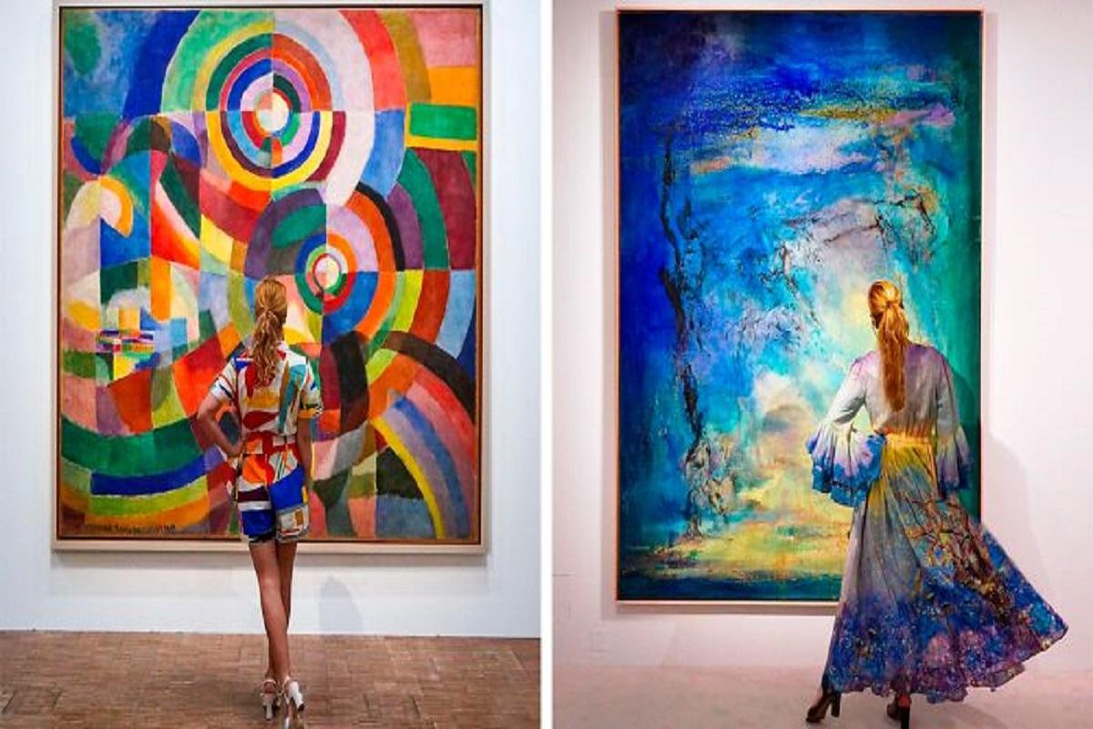 Roupas e pinturas identicas em galerias de arte CAPA